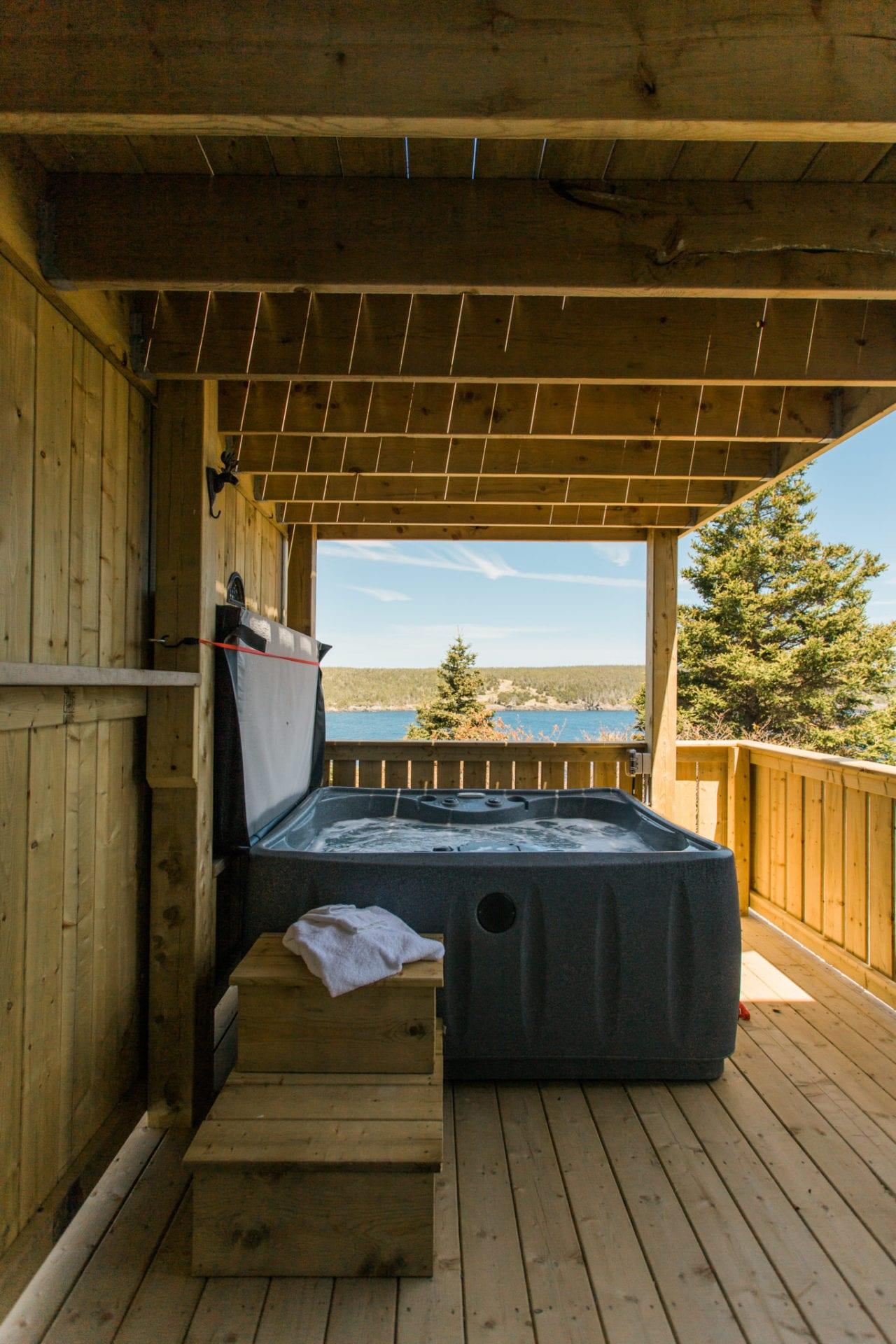 Humpback Whale Suite Private Hot Tub Deck