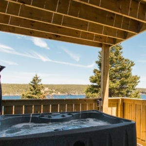 Humpback Whale Suite Private Hot Tub